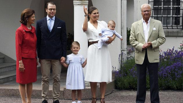 Die schwedischen Royals (Bild: ap)
