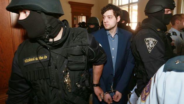 Vierfachmord in Brünn: Lebenslang für US-Bürger (Bild: APA/AFP/RADEK MICA)