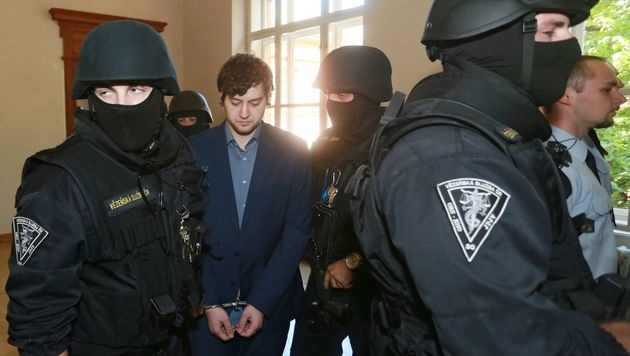 Kevin Dahlgren bei seinem Prozess in Brünn (Bild: APA/AFP/RADEK MICA)