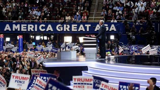 Die USA sollen wieder groß werden! Das ist die zentrale Botschaft von Trump und Pence (im Bild). (Bild: APA/AFP/GETTY IMAGES/JEFF SWENSEN)