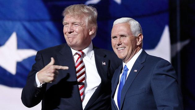 Donald Trump mit Mike Pence, dem Kandidaten für den Vizepräsidentenposten (Bild: AP)