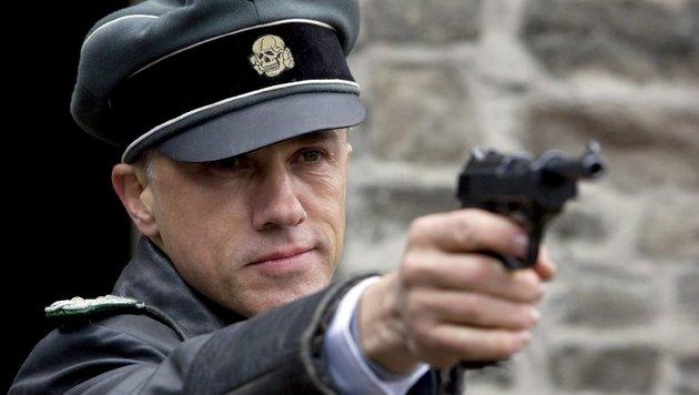 """Christoph Waltz als Nazi-Oberst Hans Landa in einer Szene des Films """"Inglourious Basterds"""" (Bild: EPA)"""