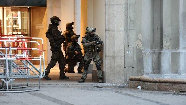 Cobra-Einsatz: Dankeschön aus Deutschland (Bild: APA/AFP/dpa/ANDREAS GEBERT)