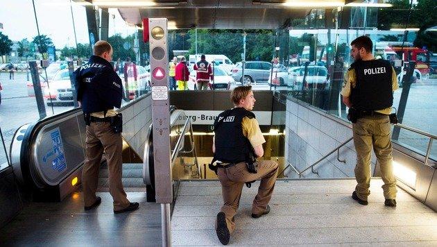 Amokschütze und Mitwisser trafen sich am Tatort (Bild: APA/AFP/dpa/LUKAS SCHULZE)