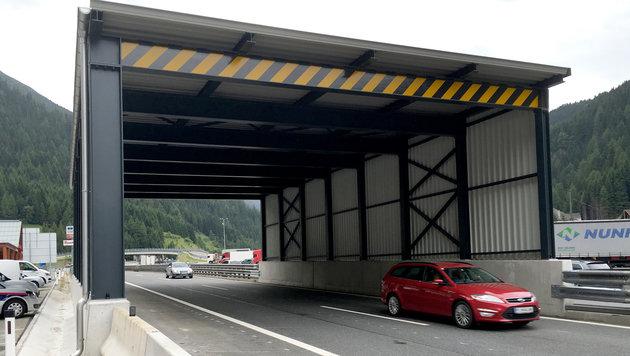Der Grenzverkehr soll durch die Kontrollen nicht erheblich gestört werden. (Bild: APA/MARKUS WIMMER)