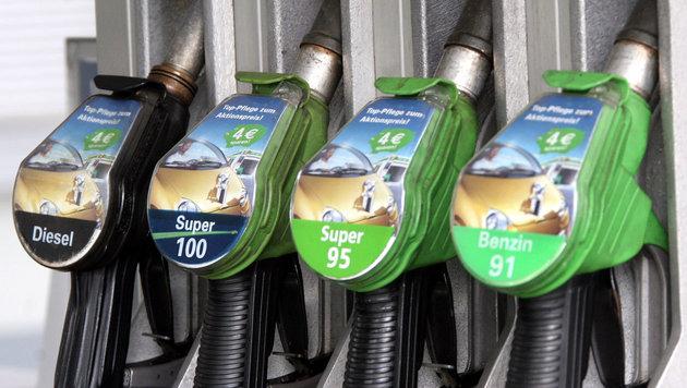 EU-Klimavorgaben: Wird Diesel fahren bald teurer? (Bild: Peter Tomschi)
