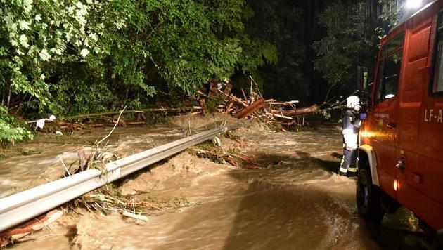Unwetter in Oberösterreich fordert Todesopfer (Bild: APA/BFKDO SCH€ÄRDING)