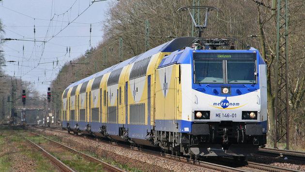 Deutschland: 22-Jähriger zückte in Zug Messer (Bild: Wikimedia/Sebastian Terfloth (CC BY-SA 3.0), Symbolbild)
