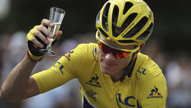 Froome triumphiert bei der 103. Tour de France (Bild: AP)
