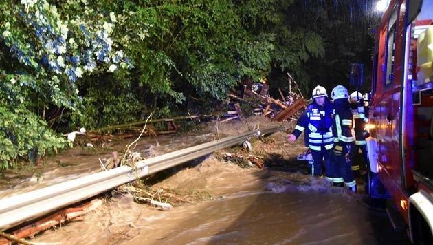 Unwetter in Oberösterreich fordert Todesopfer (Bild: APA/BFKDO SCH€RDING)