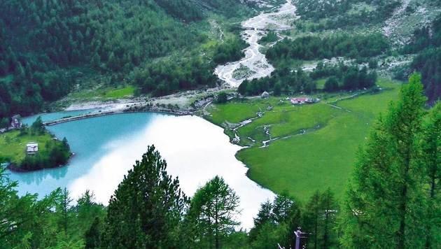 Bilderbuchblick in Alp Grüm: der Gletschersee des Piz Palü (Bild: Karin Podolak, Kronen Zeitung)