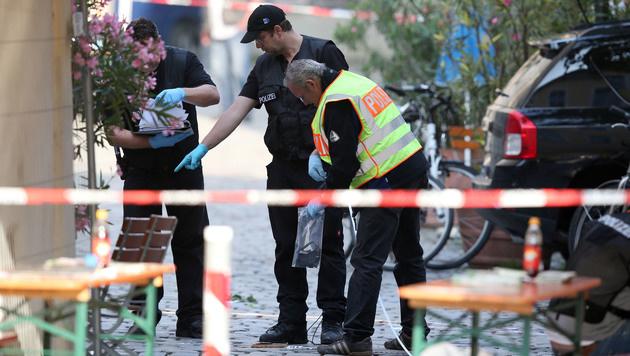 Spurensicherung in Ansbach (Bild: AP)