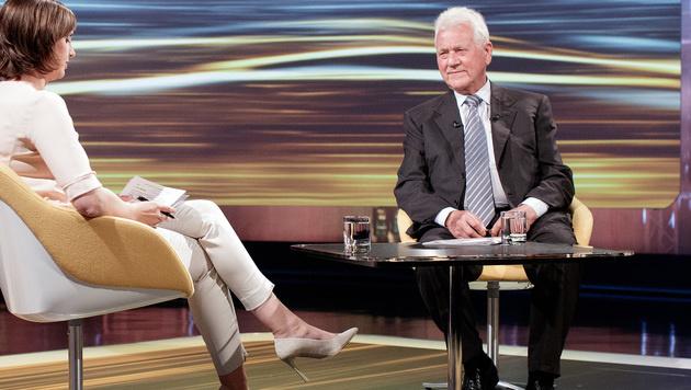 """Susanne Schnabl im """"Sommergespräch"""" 2016 mit Frank Stronach (Bild: APA/GEORG HOCHMUTH)"""