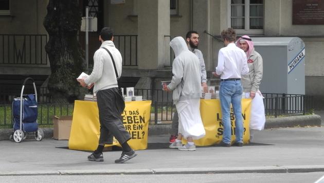 Koran-Verteiler in Wien-Döbling (Bild: Kronen Zeitung)