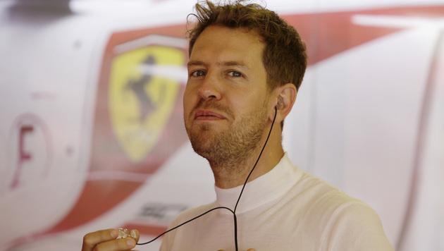 Ferrari in der Krise - aber Vettel bleibt cool (Bild: AP)