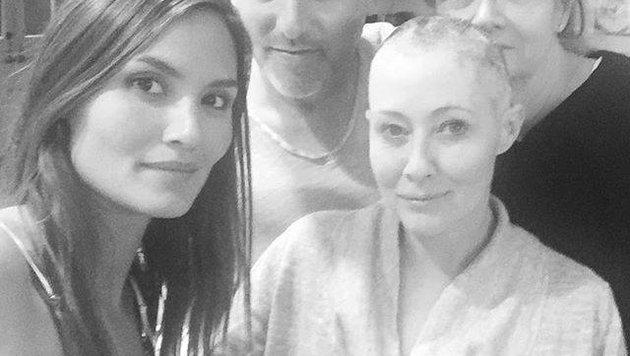 Die an Brustkrebs erkrankte Shannen Doherty zeigt sich auf Instagram mit kahl rasiertem Kopf. (Bild: Instagram.com/Shannen Doherty)
