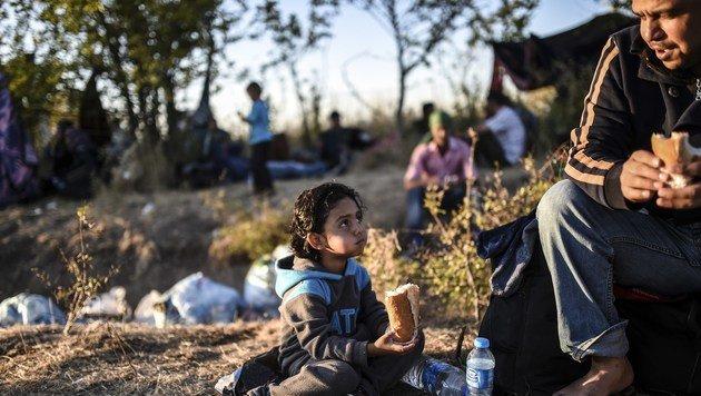 Syrische Flüchtlinge im Grenzgebiet zwischen der Türkei und Bulgarien (Bild: AFP)
