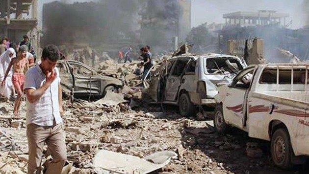 Doppelanschlag auf Kurdenstadt: Dutzende Tote (Bild: AP)