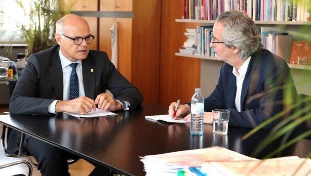 ÖOC-Boss Karl Stoss im Gespräch mit â01EKroneâ01C Sportchef Robert Sommer (Bild: Gerhard Gradwohl)
