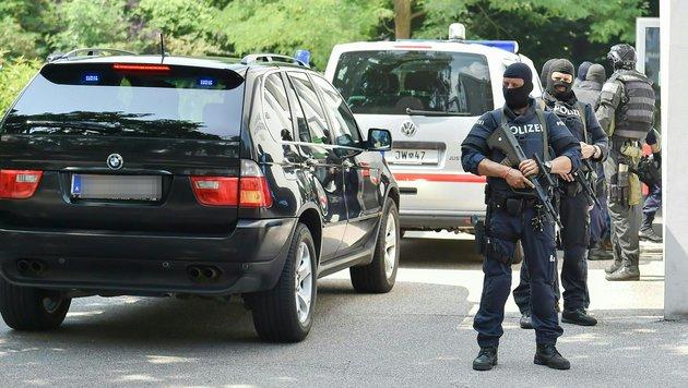 Zwei Dschihadisten an Frankreich ausgeliefert (Bild: APA/HARALD DOSTAL)