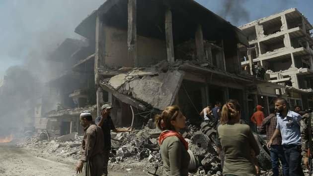 Aleppo liegt in Trümmern. (Bild: APA/AFP/DELIL SOULEIMAN)