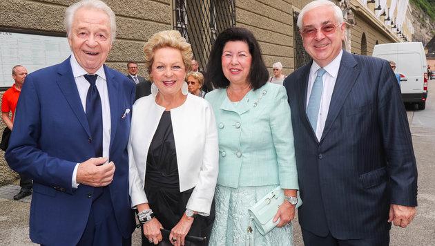 Harald Serafin mit Ehefrau Ingeborg und Charlotte und Walter Rothensteiner (Bild: APA/NEUMAYR/MMV)