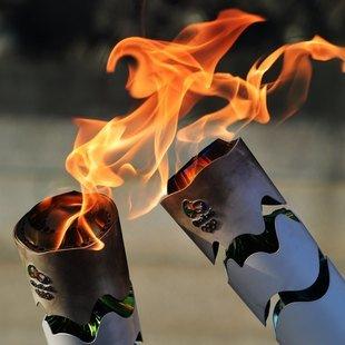 Brasilien: Tumulte bei olympischem Fackellauf (Bild: AFP)