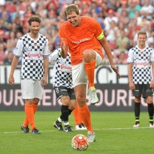 "Dirk Nowitzki sorgt mit ""Zaza-Elfer"" f�r Lacher (Bild: EPA)"