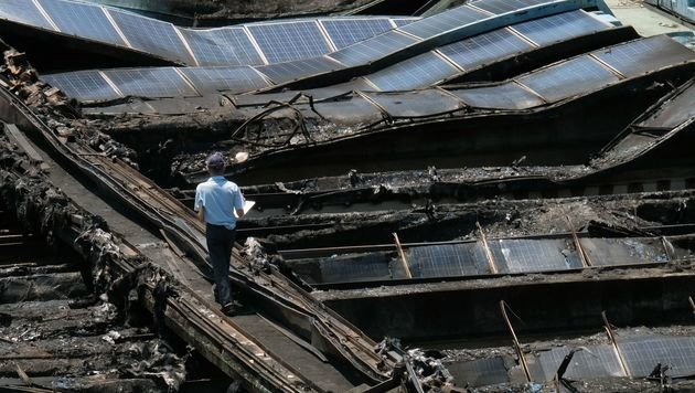 Taiwan: Hitze ließ Solaranlage in Flammen aufgehen (Bild: AFP/Sam Yeh)