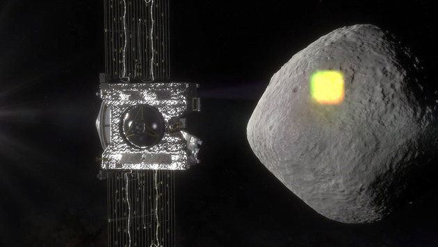 Illustration: OSIRIS-REx bei der Kartierung von Bennu (Bild: NASA/Goddard/University of Arizona)