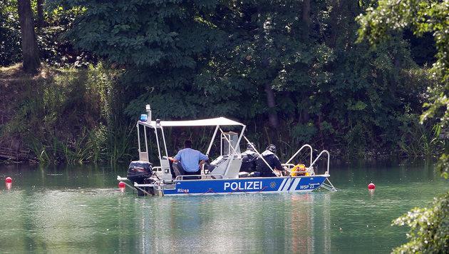 Schwimmer finden in Badesee zerstückelte Leichen (Bild: APA/Sebastian Willnow)