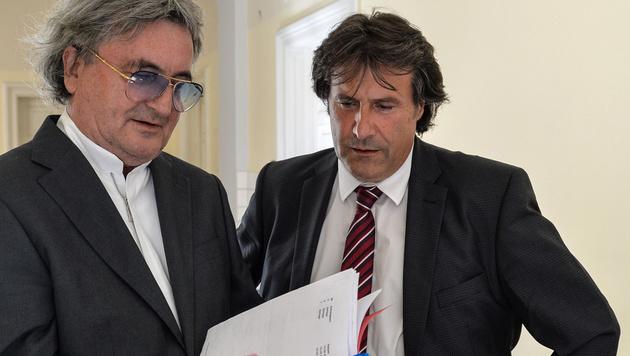 Der Tiroler SPÖ-Chef Ingo Mayr (rechts) und Rechtsanwalt Martin Leys (links) (Bild: APA/ZEITUNGSFOTO.AT)