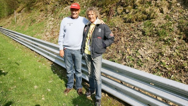 "Bei den Dreharbeiten zum Film ""Rush"" traf Lauda seinen Lebensretter, den Italiener Arturo Merzario. (Bild: Kronen Zeitung)"