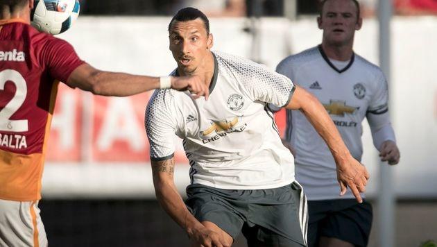 Vier Minuten - und Ibrahimovic trifft schon wieder (Bild: APA/AFP/TT News Agency/BJORN LARSSON ROSVALL)