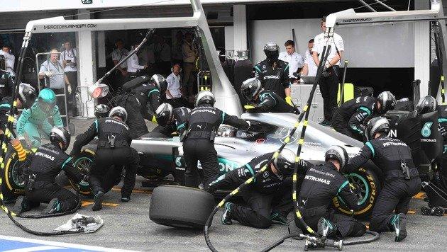 Verpatztes Heimspiel für Rosberg! Hamilton siegt (Bild: APA/AFP/POOL/ULI DECK)