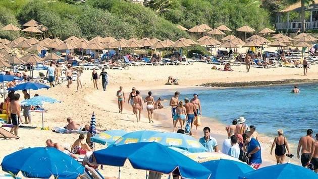Zypern ist vor allem Baden wie hier am Strand von Agia Napa. (Bild: Mauritius)