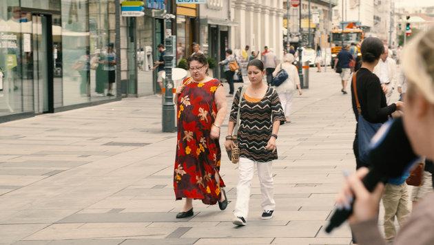 """""""Kleidungs-Knigge für Wiens Touristen (Bild: Krone TV)"""""""