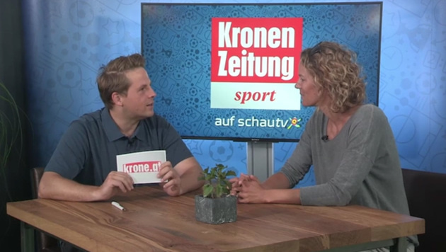 Vera Lischka: Auf Promi-Jagd in Klagenfurt (Bild: krone.tv)