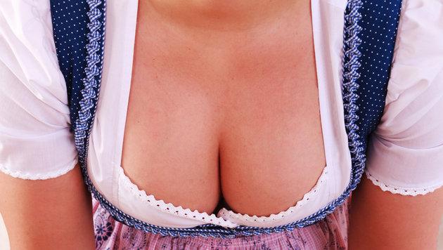 """""""5 Tipps: So findet ihr den perfekten BH zum Dirndl (Bild: thinktsockphotos.de)"""""""