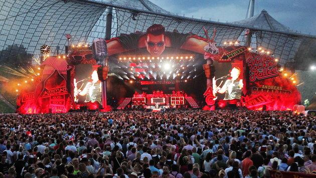 Volks-Rock'n'Roller Andreas Gabalier spielt im Münchner Olympiastadion vor mehr als 70.000 Fans. (Bild: Sepp Pail)