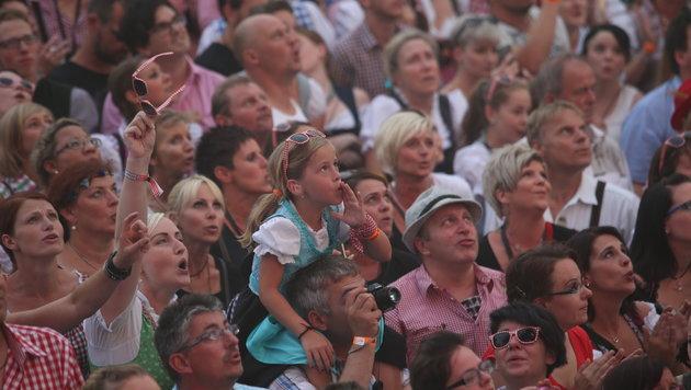 Fans beim Gabalier-Konzert in München (Bild: Sepp Pail)