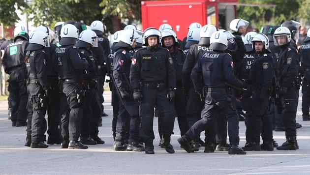 Polizeiaufgebot beim Hinspiel zwischen Austria Wien und Spartak Trnava (Bild: GEPA)