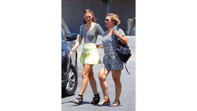 Jennie Garth beim Bummeln mit ihrer Tochter (Bild: Bulls | © Lek)