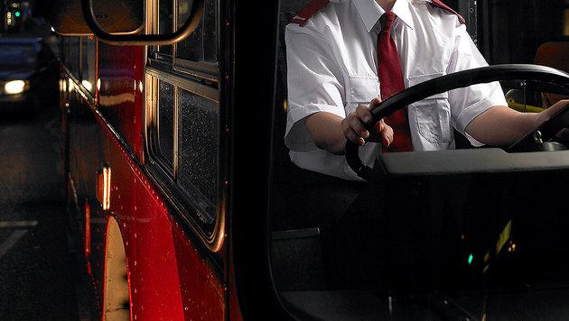 Elfjähriger kapert Linienbus und geht auf Fahrt (Bild: thinkstockphotos.de)