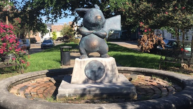 Pikachu-Statue über Nacht in US-Park errichtet (Bild: twitter.com/thatcadguy)