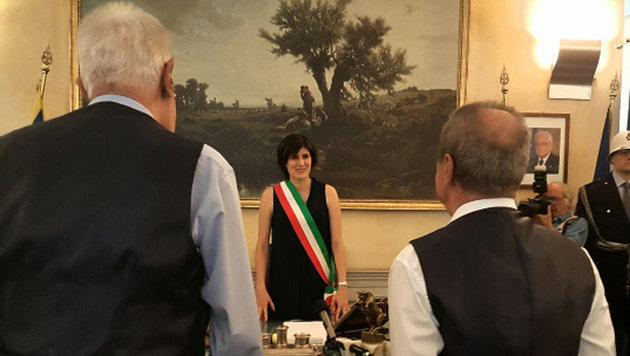 Bürgermeisterin Chiara Appendino übernahm die Trauung von Franco und Gianni. (Bild: twitter.com/c_appendino)