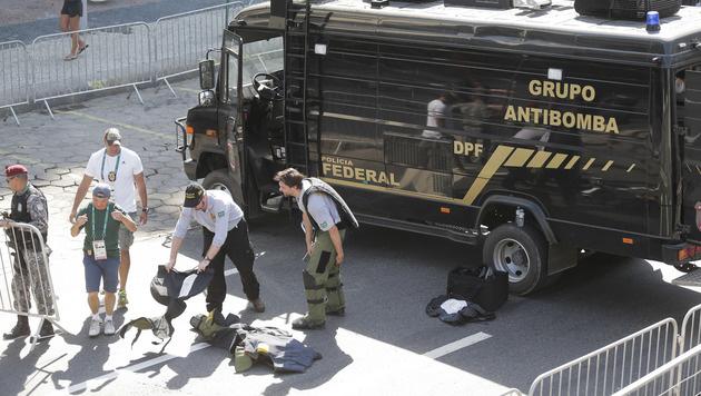 Explosion nahe Radstrecke - Schuss auf Pressezelt (Bild: AP)