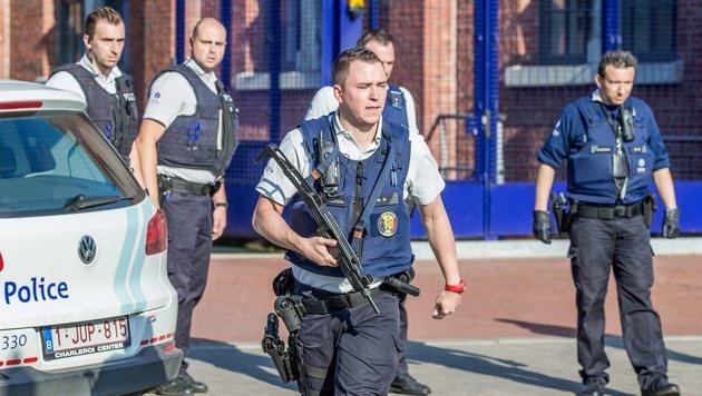 IS bekennt sich zu Machetenangriff in Belgien (Bild: EPA)
