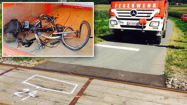 Eine Markierung zeigt, wo das Opfer nach dem Sturz liegen blieb. Das E-Bike wurde völlig zerstört. (Bild: Christian Schulter)