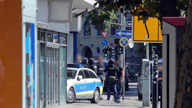 Saarbrücken: 43-Jähriger verschanzte sich in Lokal (Bild: APA/dpa/Bub/Fb)